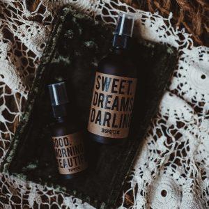 Gift Set   Velvet Pouch with 2 Piece Essential Oil Spritz Set